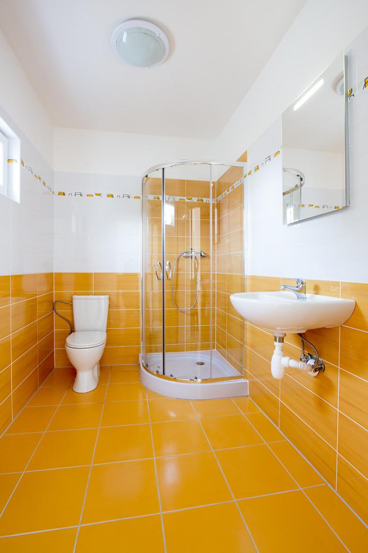 Koupelna v malé dřevostavbě EasyHomes