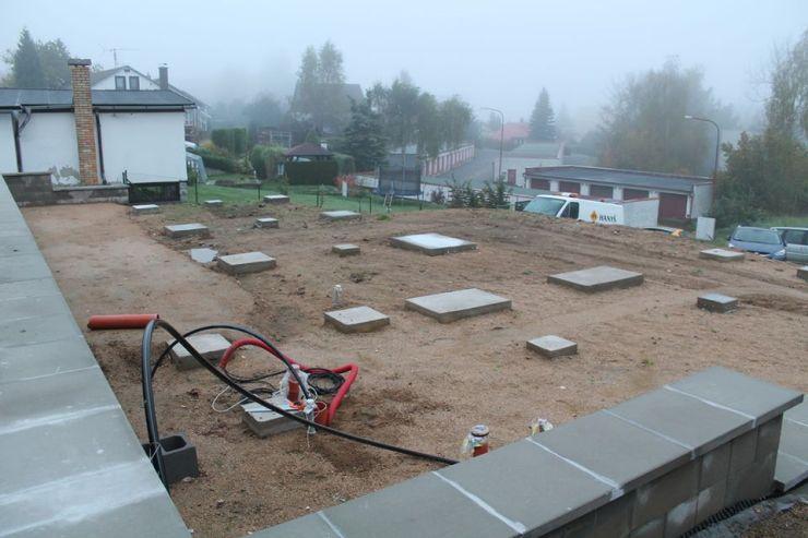 Základy pro dřevostavbu - betonové patky.